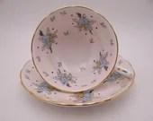 "Vintage 1950s Grosvenor English Bone China ""Bouquet"" Teacup and Saucer Set English Tea Cup 8701"