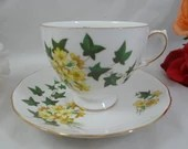 1960s Vintage English Queen Anne Bone China Teacup English Teacup and Saucer English Tea cup 8204