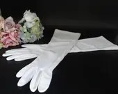 """Vintage Elbow Length Off White Elbow Length Gloves are 17.25"""" Long in Great Vintage Condition - So Pretty!"""
