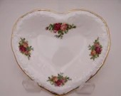 Vintage Royal Albert Made in England Roses Old Country Roses Victorian Heart Shaped Tray Trinket Dish