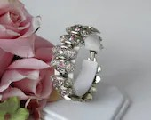 Vintage Judy Lee Aurora Borealis Rhinestone and Faux Pearl Accent Bracelet with Textured Oval Links on a Gold Tone Setting