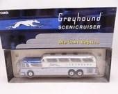 """MIB Vintage Corgi GM4501 Greyhound Scenicruiser """"Destination Chicago Express"""" Bus Die Cast Toy Car Bus in Original Box"""