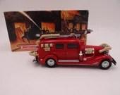 MIB Vintage Matchbox YFE03 Models of Yesteryear 1933 Cadillac V-16 Fire Wagon Diecast Model Fire Engine
