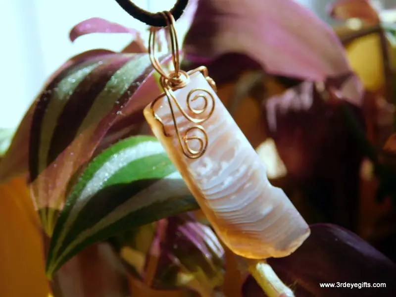 Banded Agate Pendant, Cry...