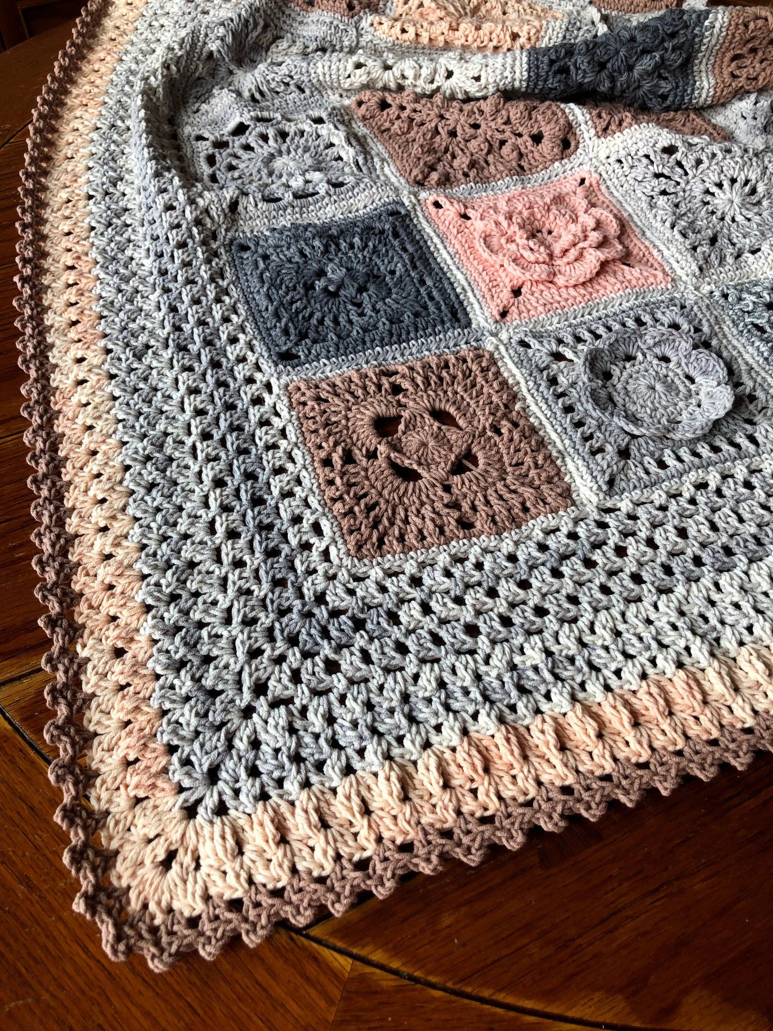 Wedding Afghan Crochet Pattern : wedding, afghan, crochet, pattern, CROCHET, BLANKET, Patterns/crochet, Blanket/wedding, Gift/crochet, Blanket/, Crochet, Granny, Square/easy, Pattern/easy, Blanket, Pattern