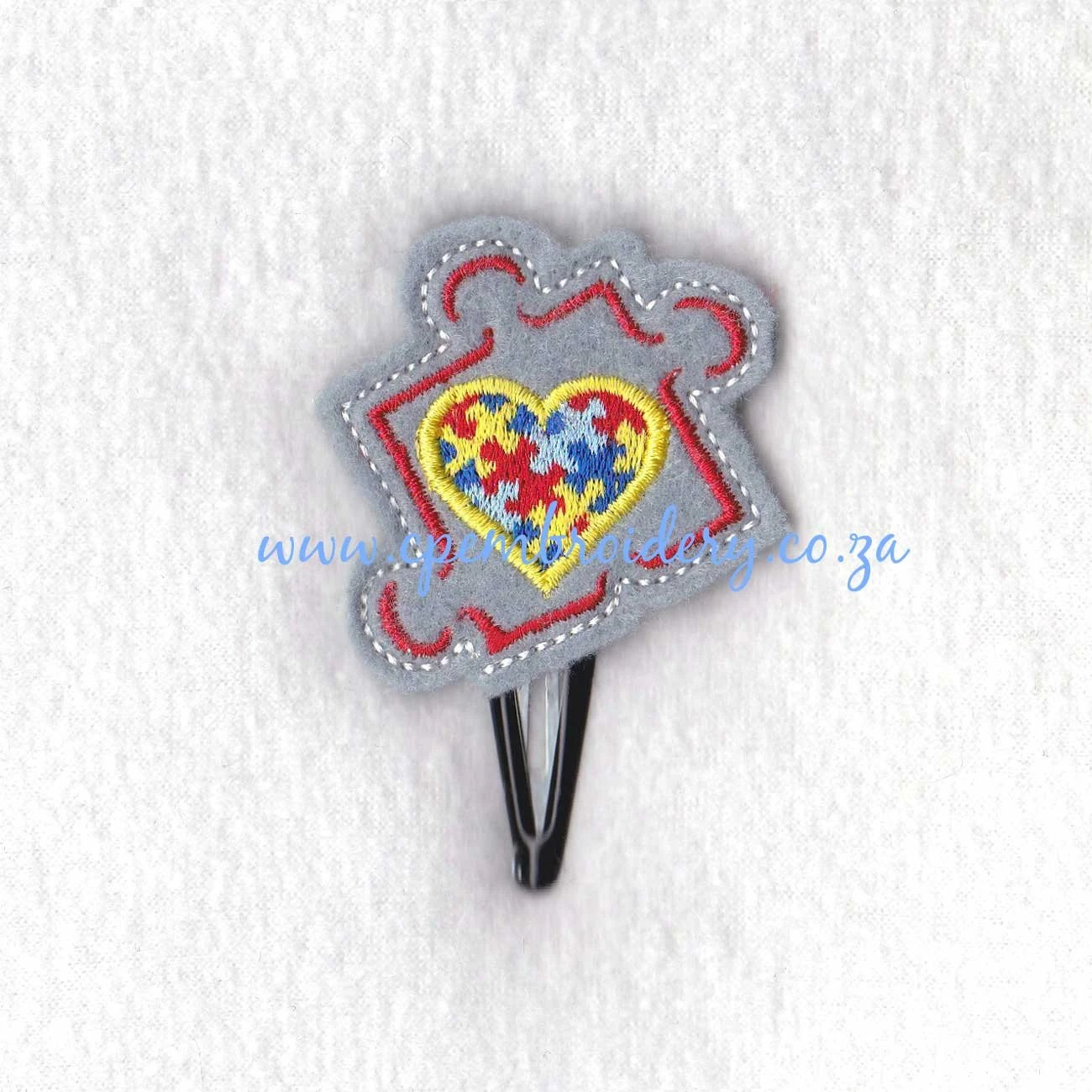 Puzzle Piece Outline With Puzzled Heart Middle Feltie