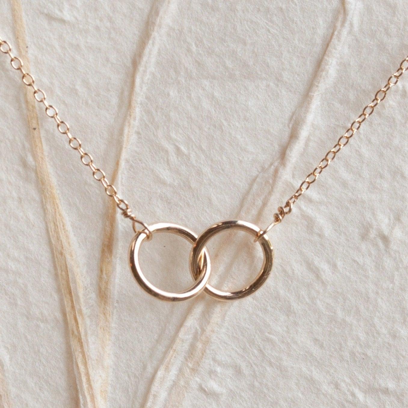 Kette zwei ringe ineinander  Modeschmuck