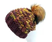 Caracol Beanie with slight Slouch and PomPom