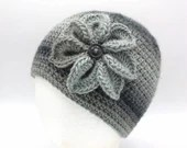 Flower Beanie in 'Domino'