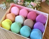 Felt Macarons, Pretend Food, Macaron, Play Food, Tea Party, Play Kitchen, Bakery Toy, Pastry, Play Shop, Patisserie, Rainbow