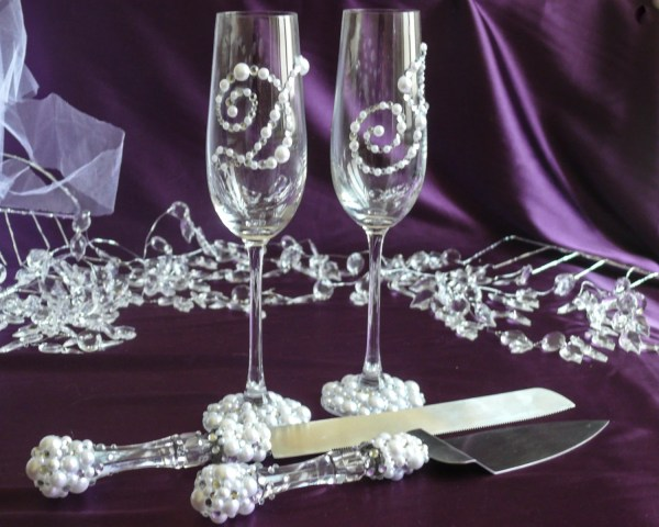 Pearl And Crystal Wedding Set Champagne Flutes Cake