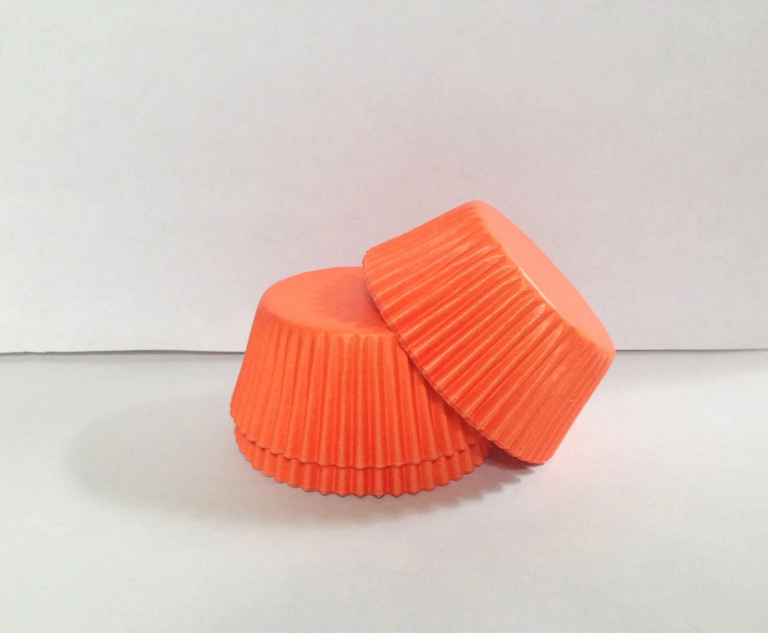 50 Count Grease Resistant Orange Standard Size Cupcake