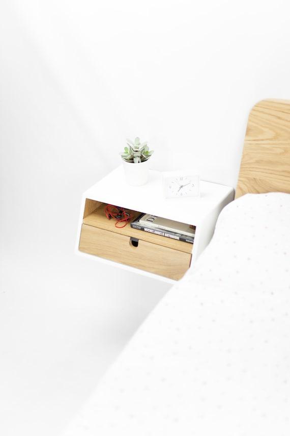 table de chevet flottante blanche tiroir en chene massif mi siecle moderne