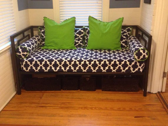 Fitted Daybed cover in twin twin xl and full mattress