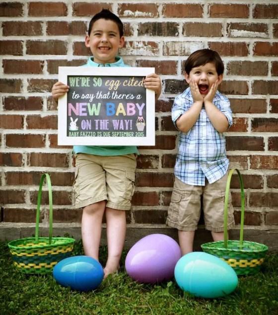 annoncer sa grossesse à Pâques avec l'aide de ses enfants