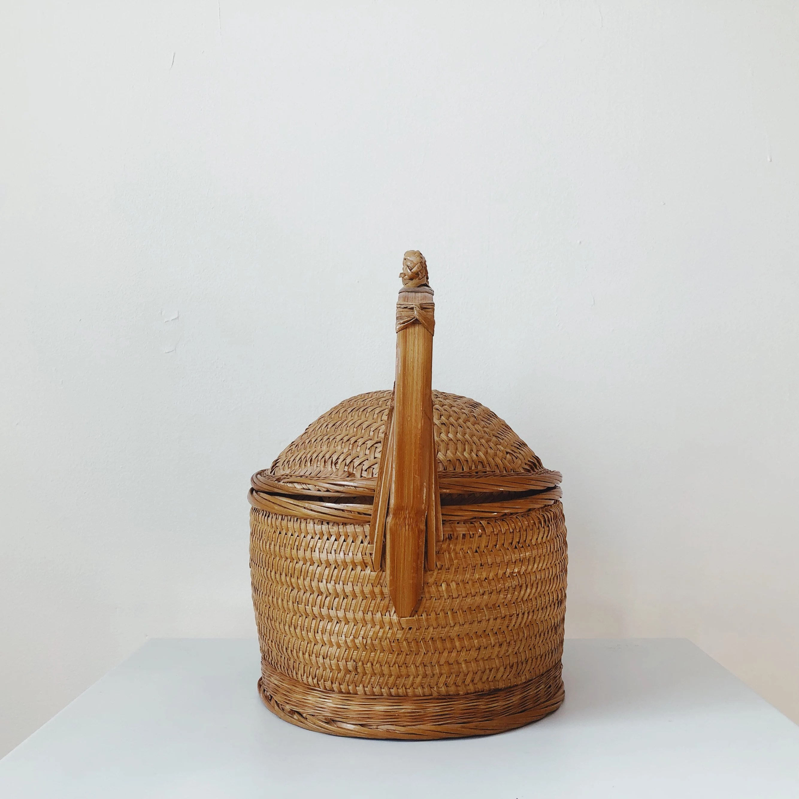 chinese basket with lid