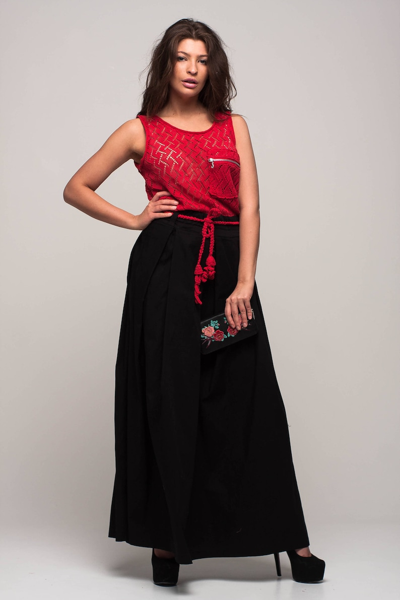red and black maxi