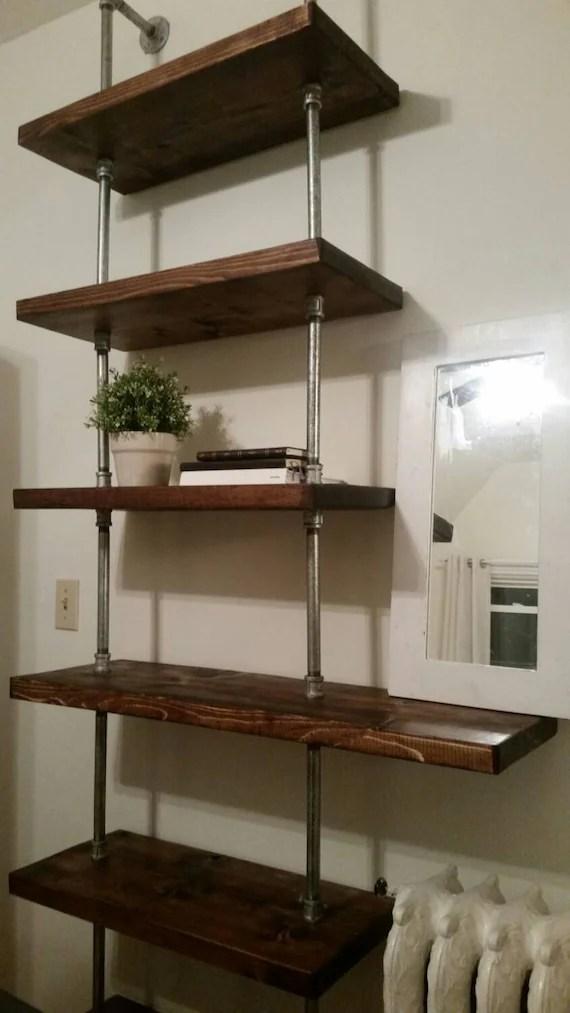 tuyau industriel rustique et plancher unite etageres en bois au plafond minimal bibliotheque de rayonnage hauteur unite bibliotheque bois acier