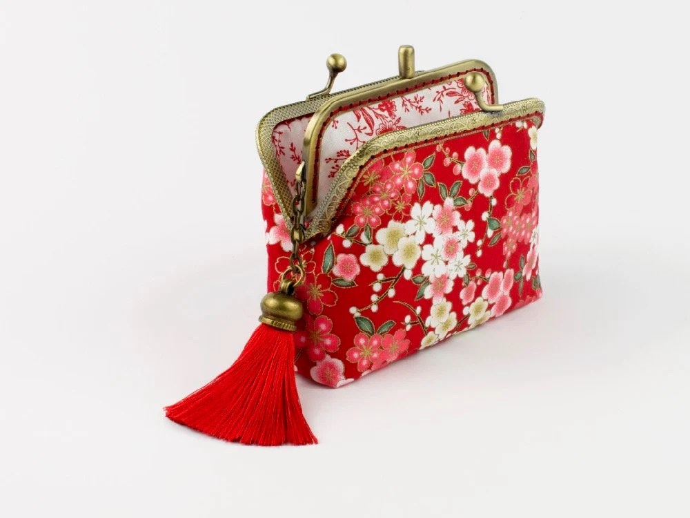 hand crafted japanese coin purse of sakura on bronze coloured double kiss lock frame 0157