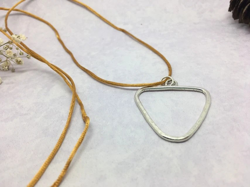 Triangle long pendant, re...