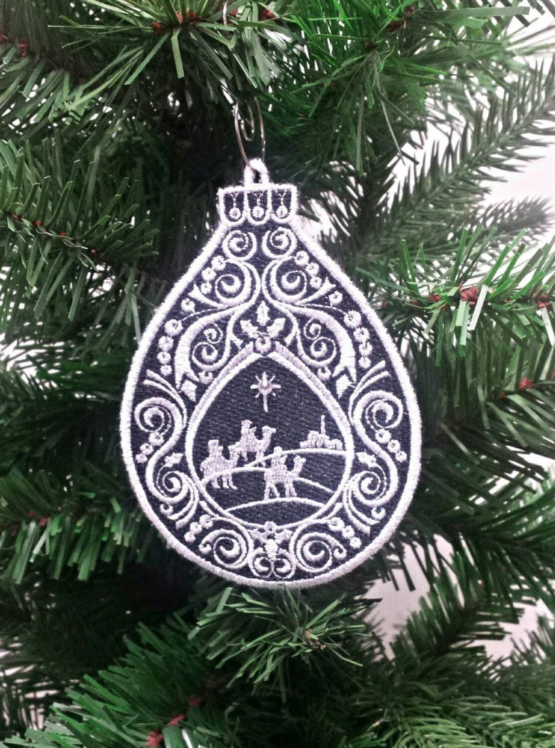 Free Standing Lace Christmas Decorations | Christmassite.co