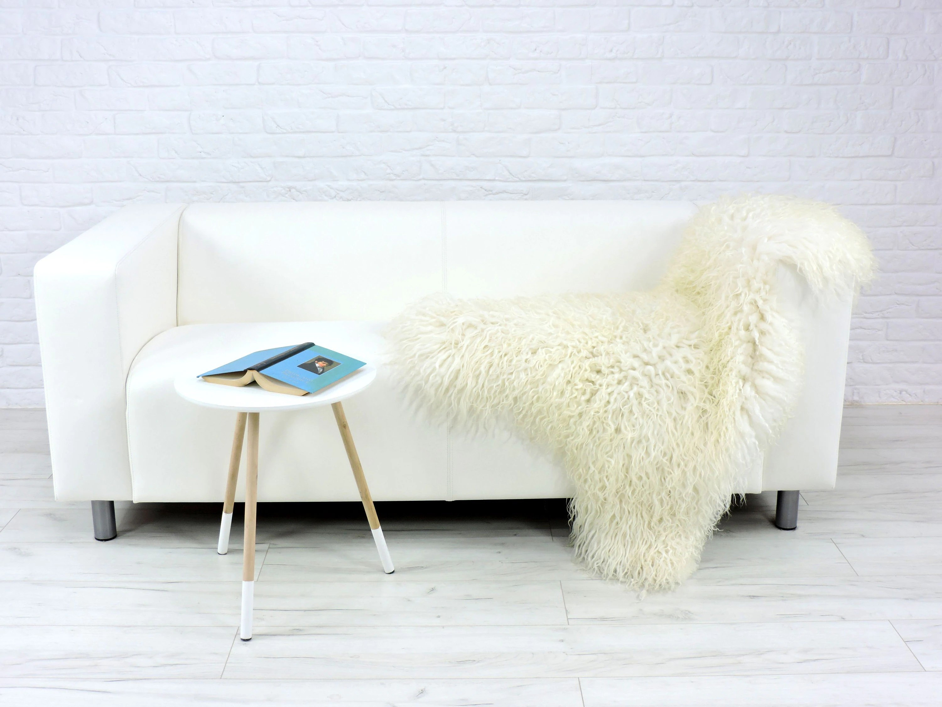 Mongolian Fur Chair Cream White Curly Sheepskin Rug Mongolian Style Large Luxurious Decorative Rug Chair Sofa Cover Throw Ms