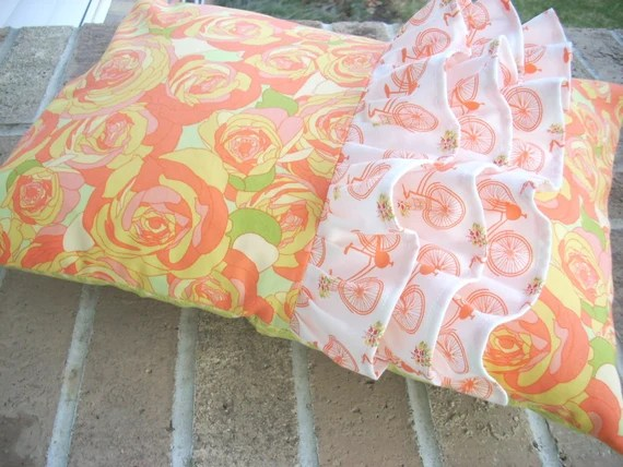 acreage ruffled pillow pattern