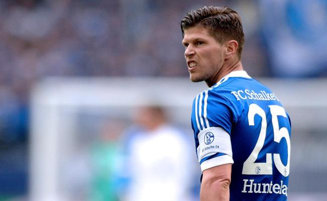 Schalke Striker Klaas Jan Huntelaar Extends Deal To 2017