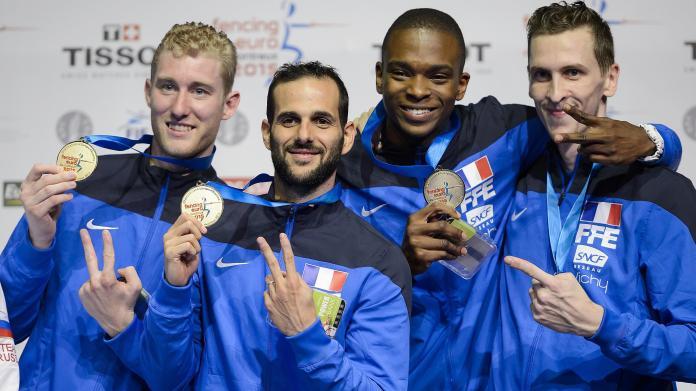 Julien Mertine, Erwann Le Pechoux, Enzo Lefort et Jeremy Cadot, champions d'Europe en fleuret par équipes - 2015