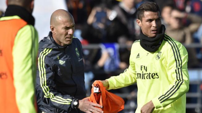 Zinédine Zidane et Cristiano Ronaldo à l'entraînement, mardi 5 janvier 2016
