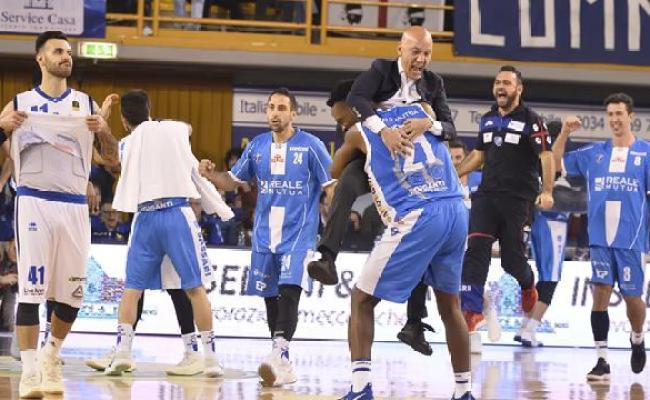 La Dinamo Sassari Cambia Marcia A Brescia La Ciliegina