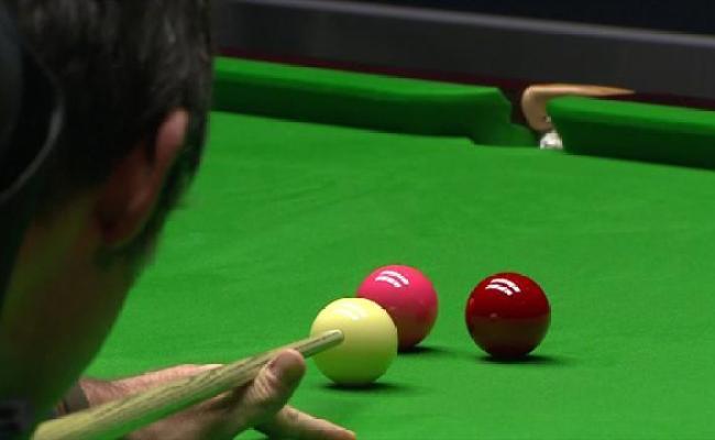 Video Snooker News Ronnie O Sullivan Flukes Red When