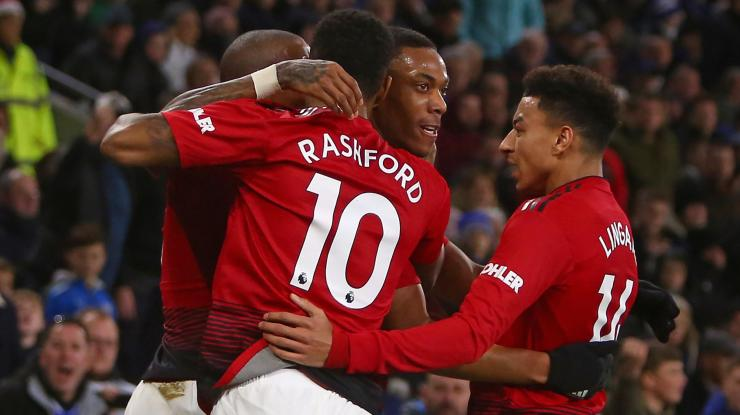 Image result for manchester united  Arsenal legend predicts that Manchester United will beat Arsenal to Champions League spot 2488075 51660210 2560 1440