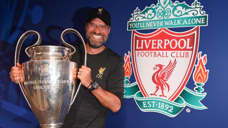 Jürgen Klopp et le trophée de la Ligue des champions
