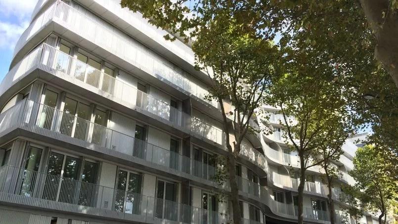 Au cur de Paris un nouvel immeuble mle HLM et appartements de luxe