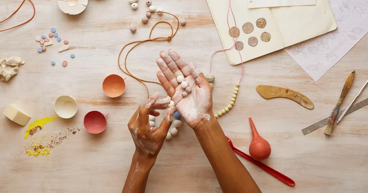 Participez  un atelier de confection de bijoux  loccasion