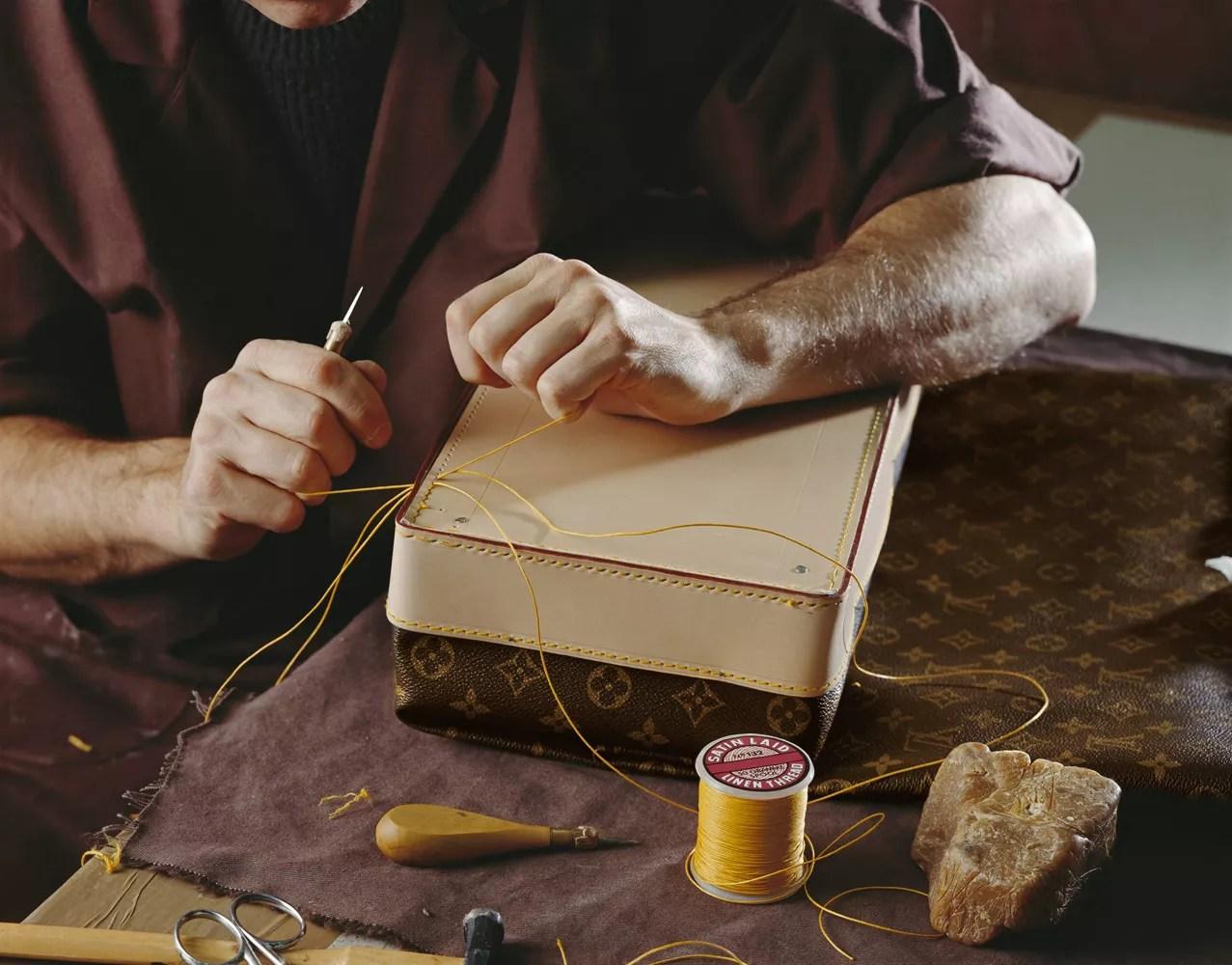 Dans latelier historique de Louis Vuitton avec Virginie