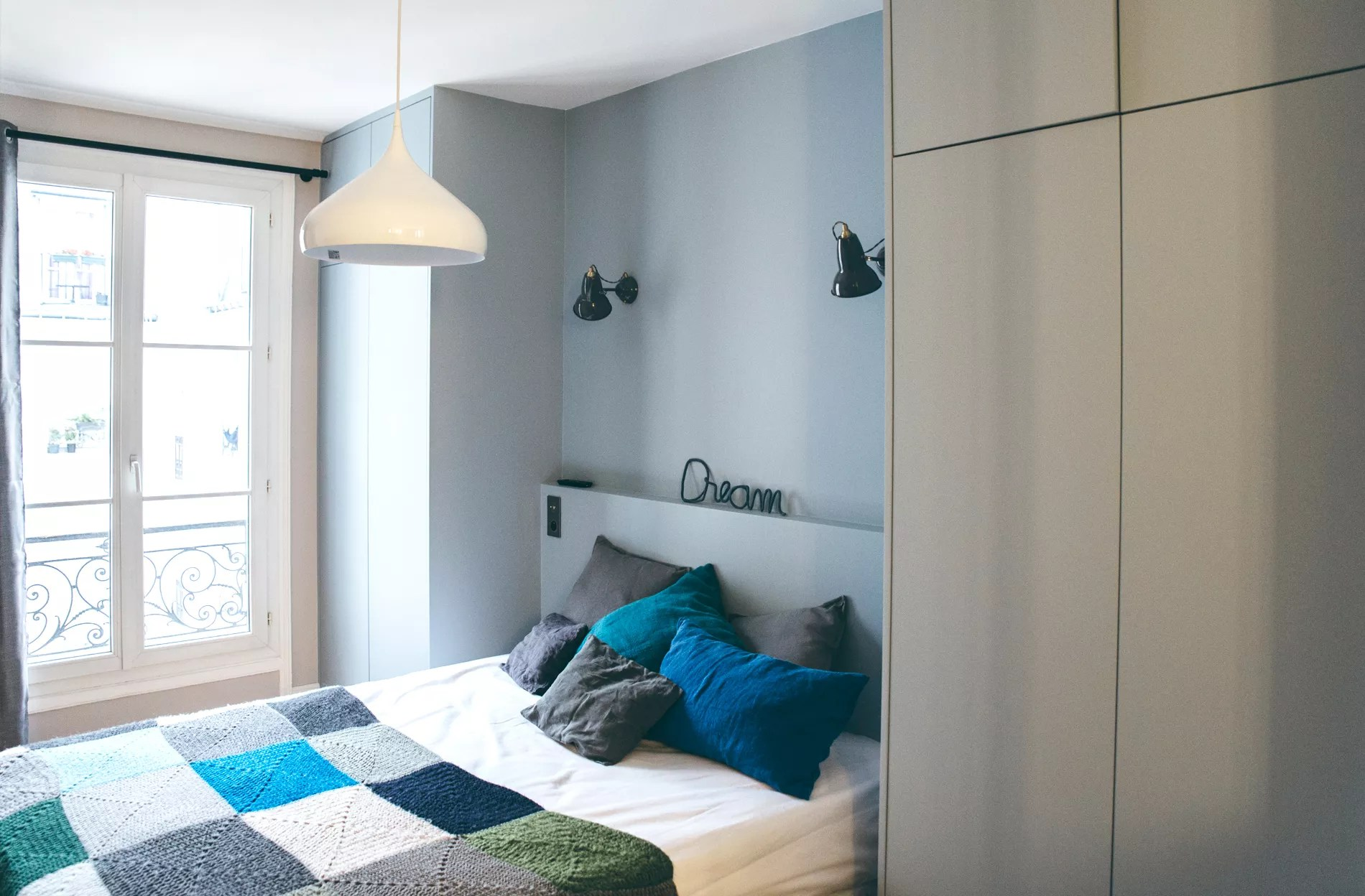 Cinq conseils dco pour optimiser une petite chambre  Madame Figaro