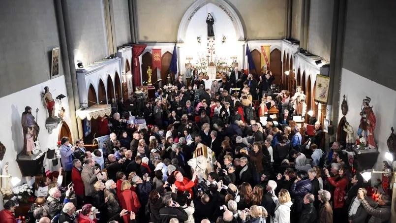 Une messe dédiée aux animaux à Sainte-Rita à Paris, le 9 novembre 2014.