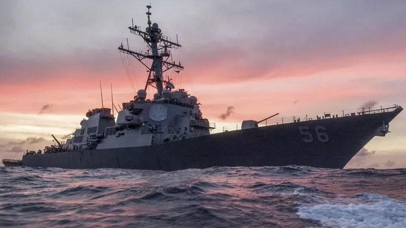10 marins d'un destroyer américain portés disparus