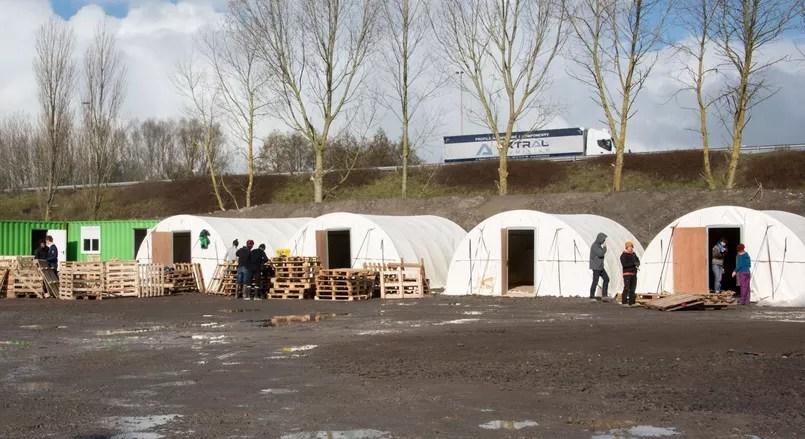 Une buanderie, des WC et des espaces de restauration seront présents sur le site.