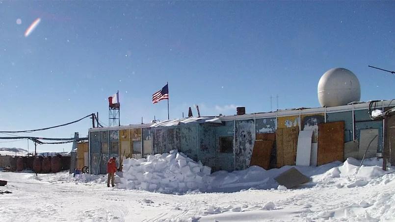 La base russe de Vostock en Antarctique - Antarctic Photo Library, U.S. Antarctic Program