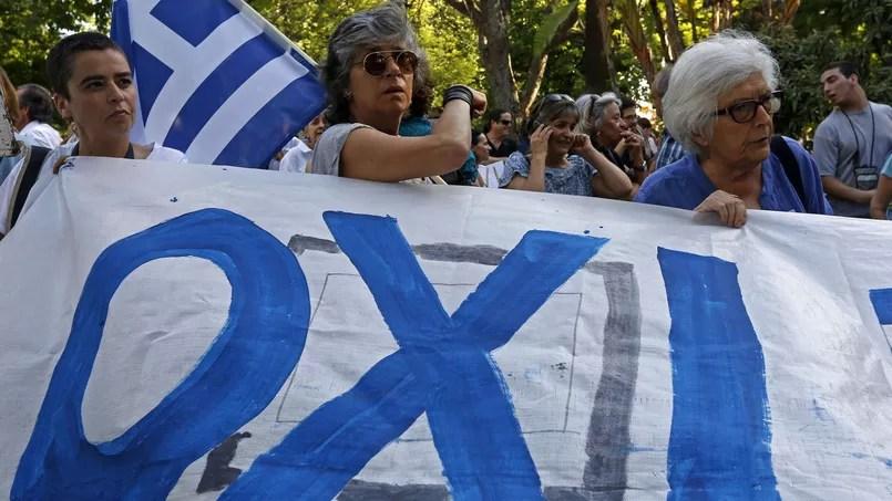 οχι: manifestants en faveur du «non» qui l'a emporté à 61% lors du référendum en Grèce, dimanche 5 juillet 2015