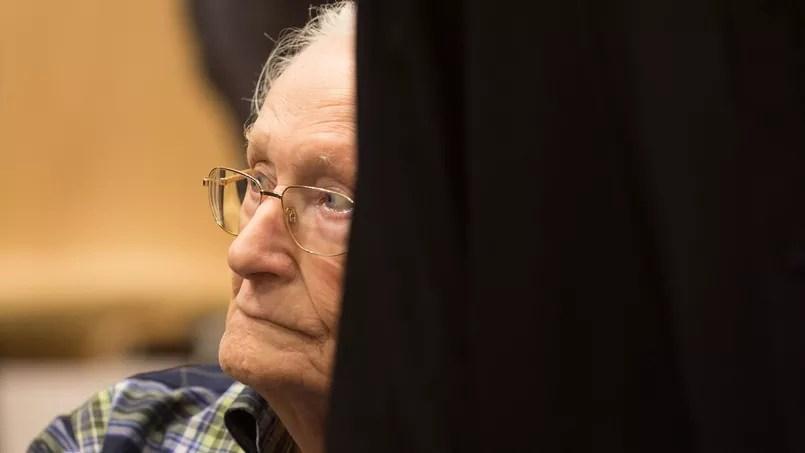 Oscar Gröning, dernier responsable nazi à avoir été jugé, était comptable au camp d'Auschwitz. ici, lors de son procès à Berlin.