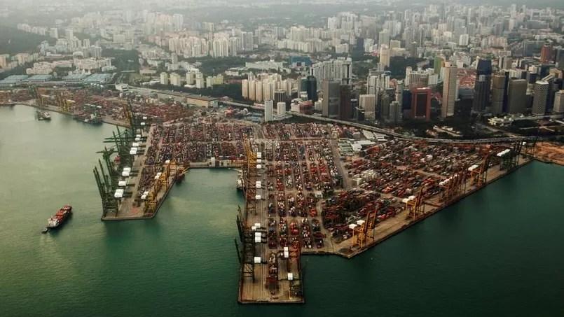 Vue des conteneurs sur le port de Singapour. L'Asie subit une forte baisse des exportations cette année.