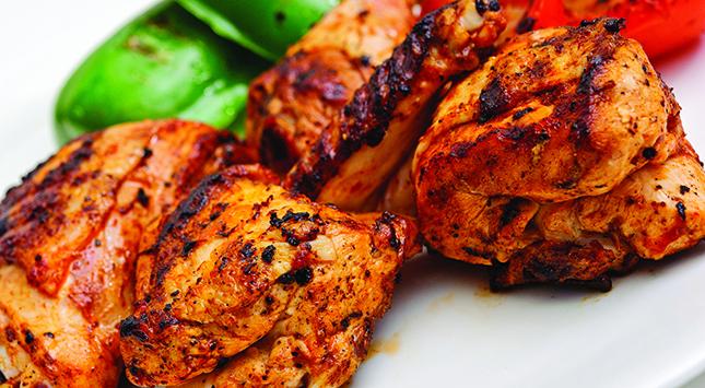 الدجاج المشوي على الفحم