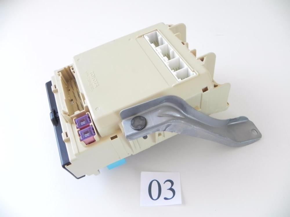 medium resolution of details about 2008 lexus rx400 interior fuse relay junction box relay oem 822 03