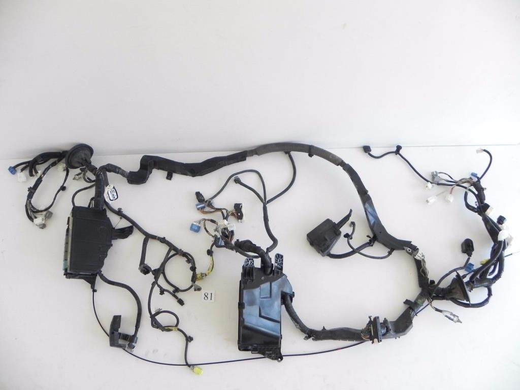 hight resolution of details about 2006 lexus is250 wire wiring harness engine motor fuse box 82111 53700 296 81