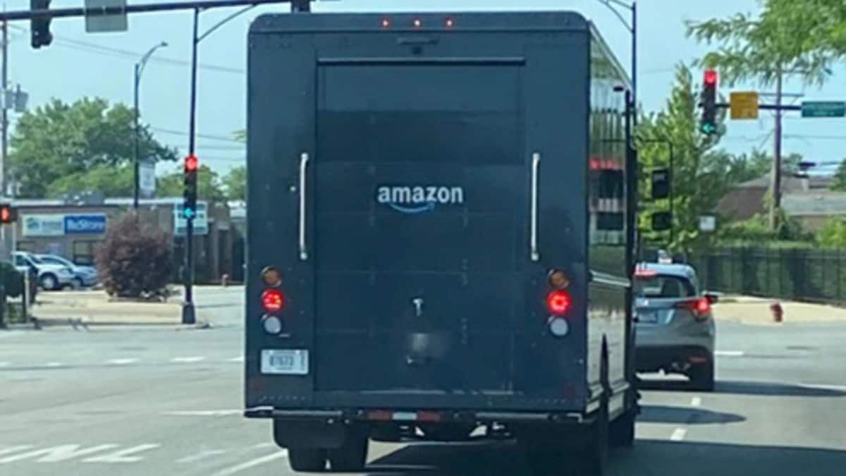 Amazon Begins Rolling Out Bigger UPS and FedEx-Style Delivery Trucks 4
