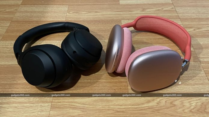 apple airpods max sony wh1000xm4 comparison main2 Apple  Sony